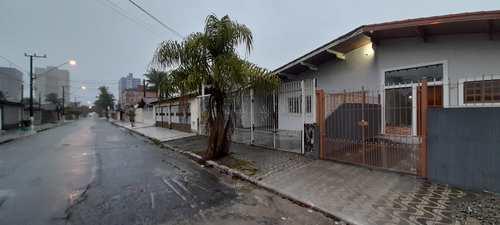 Casa, código 6351 em Praia Grande, bairro Caiçara