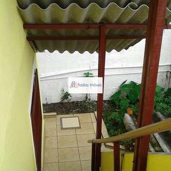 Sobrado em Mongaguá, bairro Vila Vera Cruz