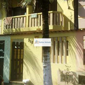 Sobrado em Mongaguá, bairro Balneário Regina Maria