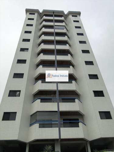 Apartamento, código 623600 em Mongaguá, bairro Jardim Aguapeu