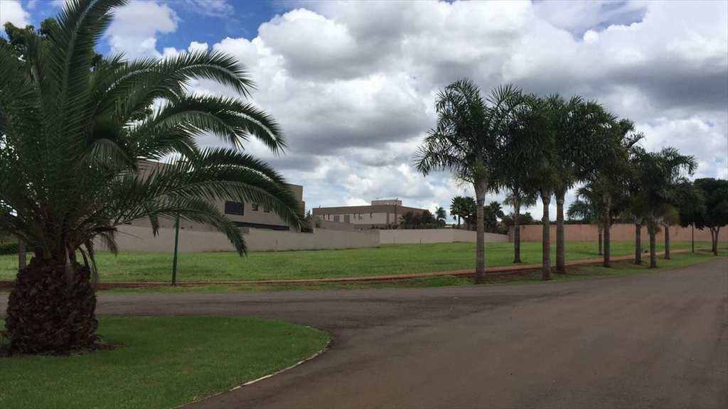 Terreno em Ribeirão Preto, no bairro Vila do Golf