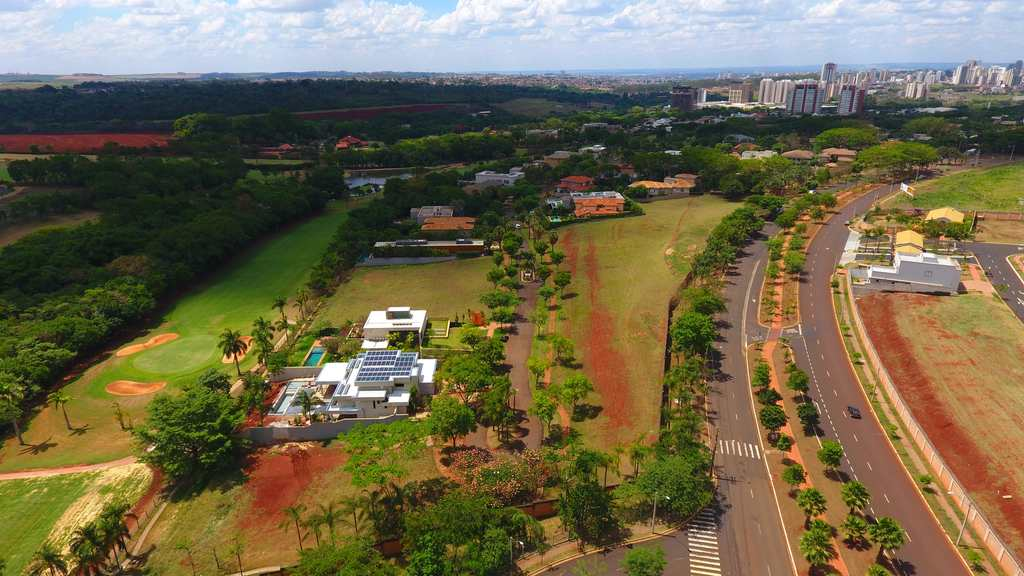 Terreno de Condomínio em Ribeirão Preto, no bairro Vila do Golf