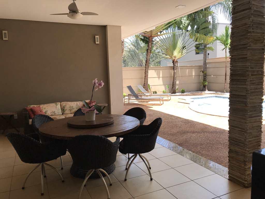 Casa de Condomínio em Ribeirão Preto, no bairro Jardim Canadá