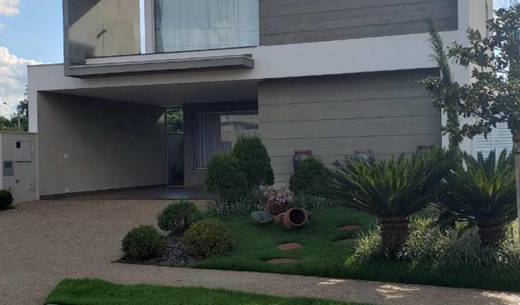 Sobrado de Condomínio em Cravinhos, bairro Alto do Castelo