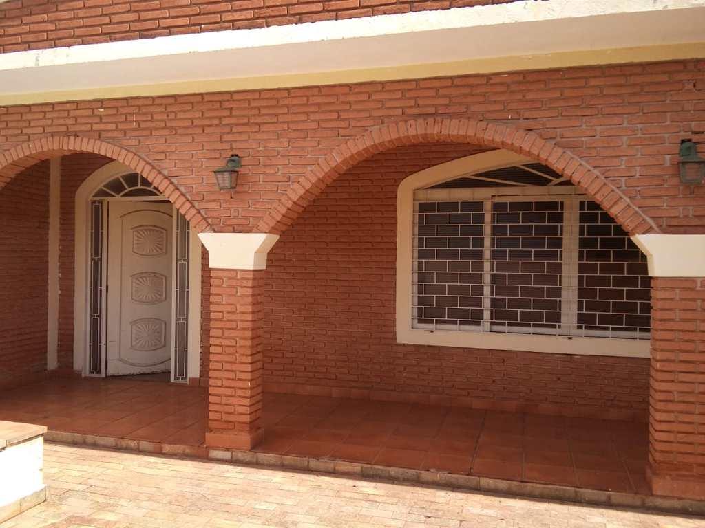 Casa em Ribeirão Preto, no bairro Jardim São Luiz