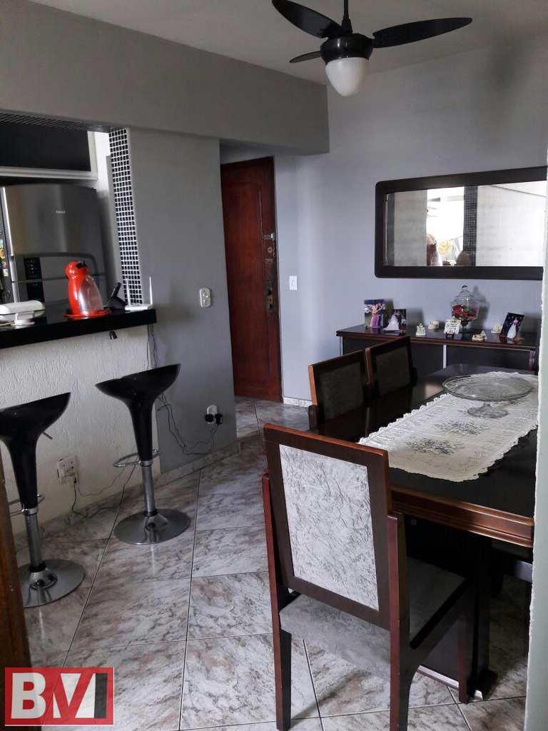 Apartamento em Rio de Janeiro, bairro Ramos