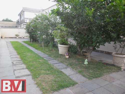 Casa, código 823 em Rio de Janeiro, bairro Rocha Miranda