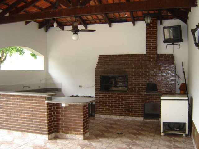 Sítio em Guararema, no bairro Cerejeiras