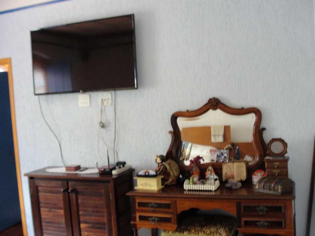 Sobrado em Guararema, no bairro Centro da Freguesia da Escada