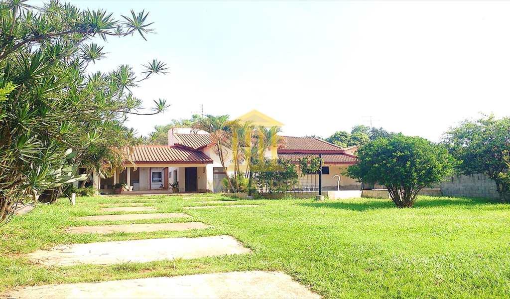 Casa em Paulínia, bairro Parque da Represa