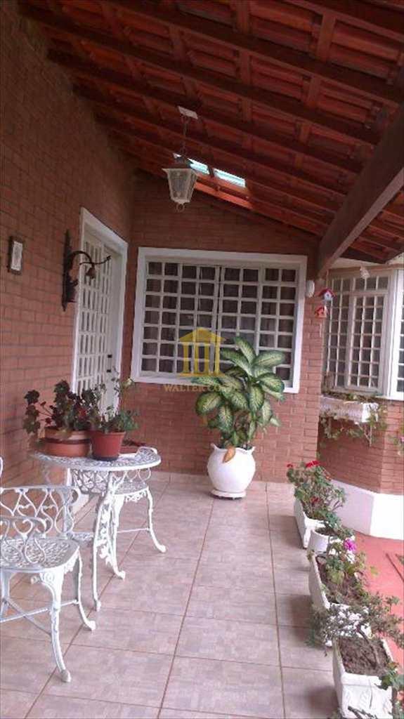 Casa em Paulínia, no bairro Jardim América