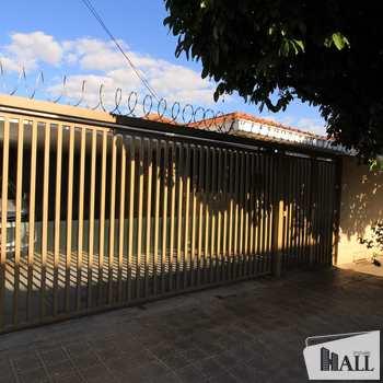 Casa em São José do Rio Preto, bairro Parque Industrial