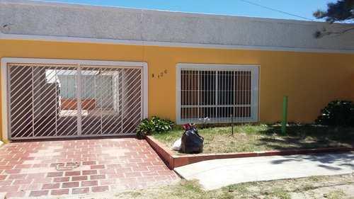 Casa, código 136 em Rio Grande, bairro Cassino