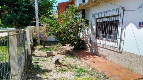 Casa, código 239 em Rio Grande, bairro Cassino