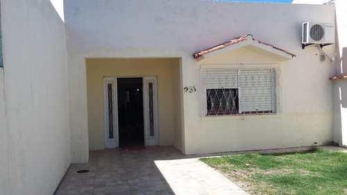 Casa, código 231 em Rio Grande, bairro Cassino