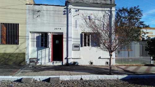 Casa, código 2079v em Pelotas, bairro Centro