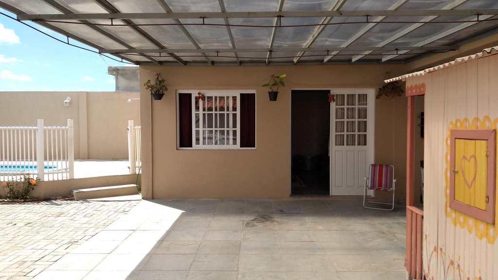 Casa em Rio Grande, bairro Bolaxa