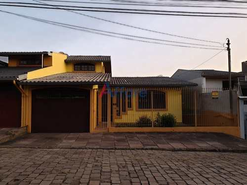 Casa, código 750 em Caxias do Sul, bairro Interlagos