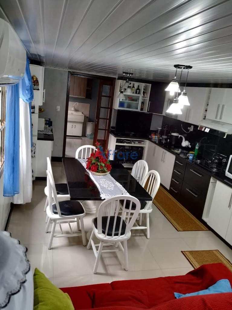 Casa em Caxias do Sul, no bairro Medianeira