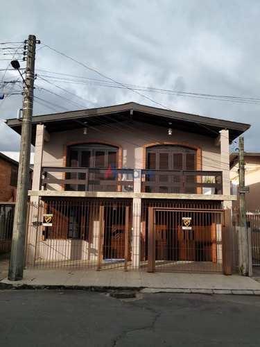 Casa, código 1259 em Caxias do Sul, bairro Medianeira