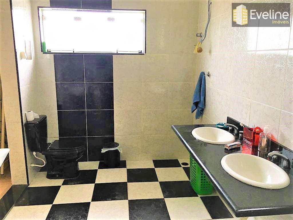 Casa de Condomínio em Mogi das Cruzes, no bairro Vila Oliveira