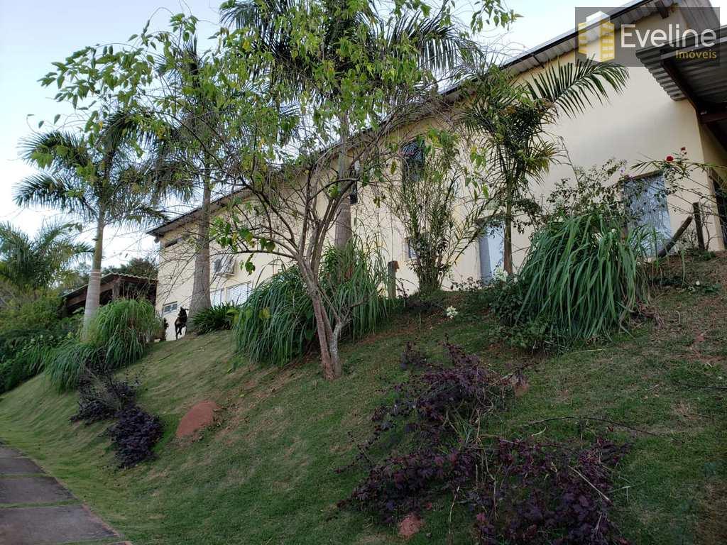 Chácara em Guararema, no bairro Centro