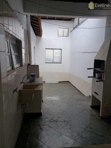 Casa, código 1100 em Mogi das Cruzes, bairro Conjunto Habitacional Antônio Bovolenta