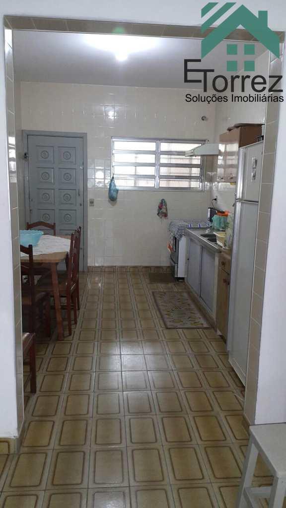 Casa em Itanhaém, no bairro Balneário Auri Verde