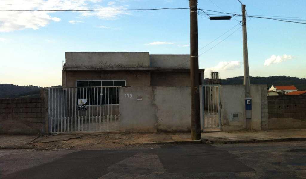 Casa em Piedade, bairro Centro