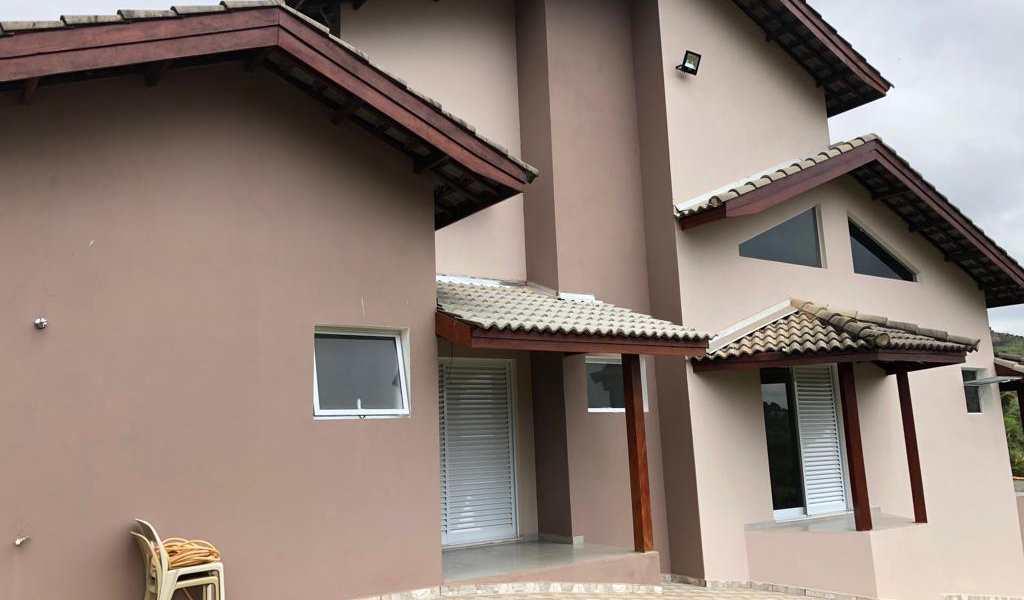 Casa em Piedade, bairro Poço