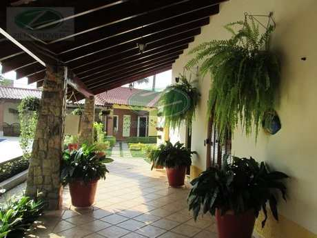 Casa em Bertioga, bairro Maitinga