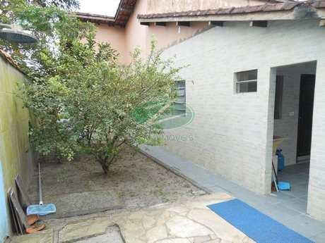 Casa em Bertioga, bairro Centro