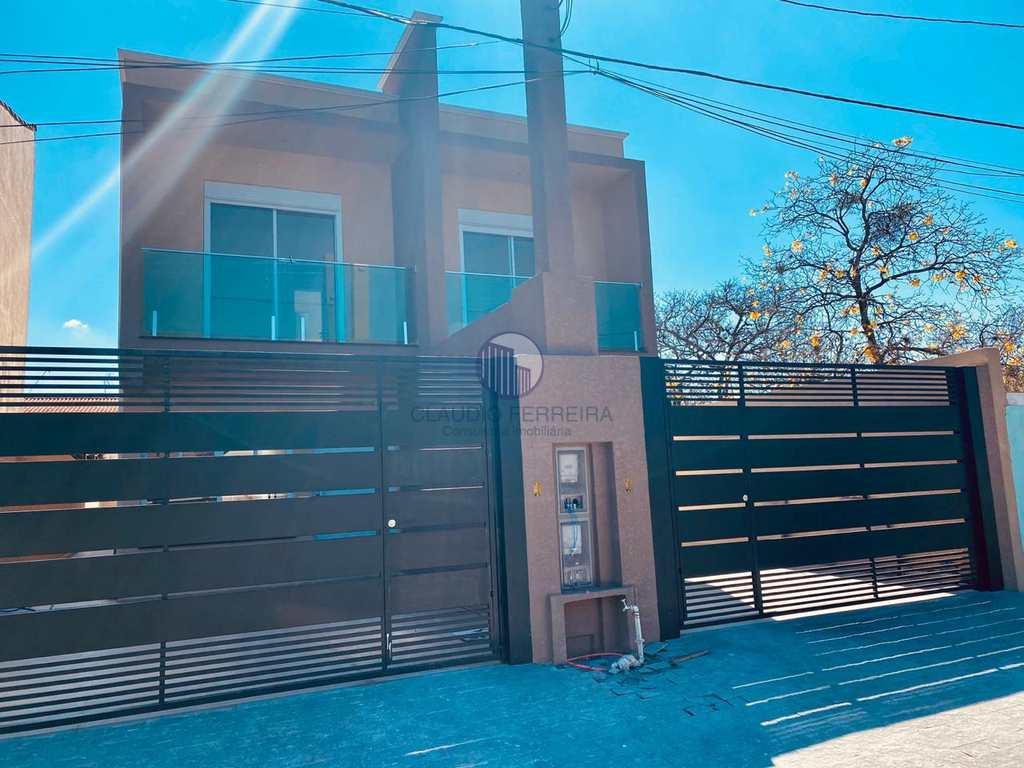 Casa em Atibaia, no bairro Recreio Maristela