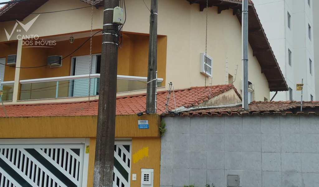 Sobrado em Praia Grande, bairro Forte