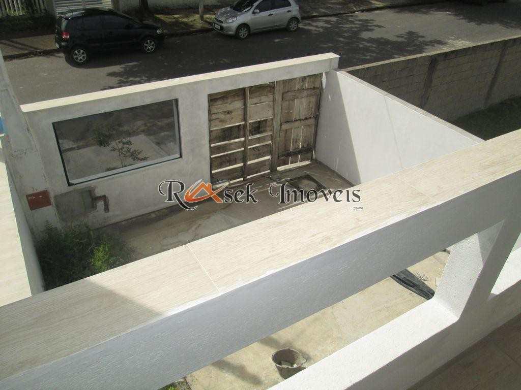 Sobrado em Itanhaém, no bairro Jardim Grandesp