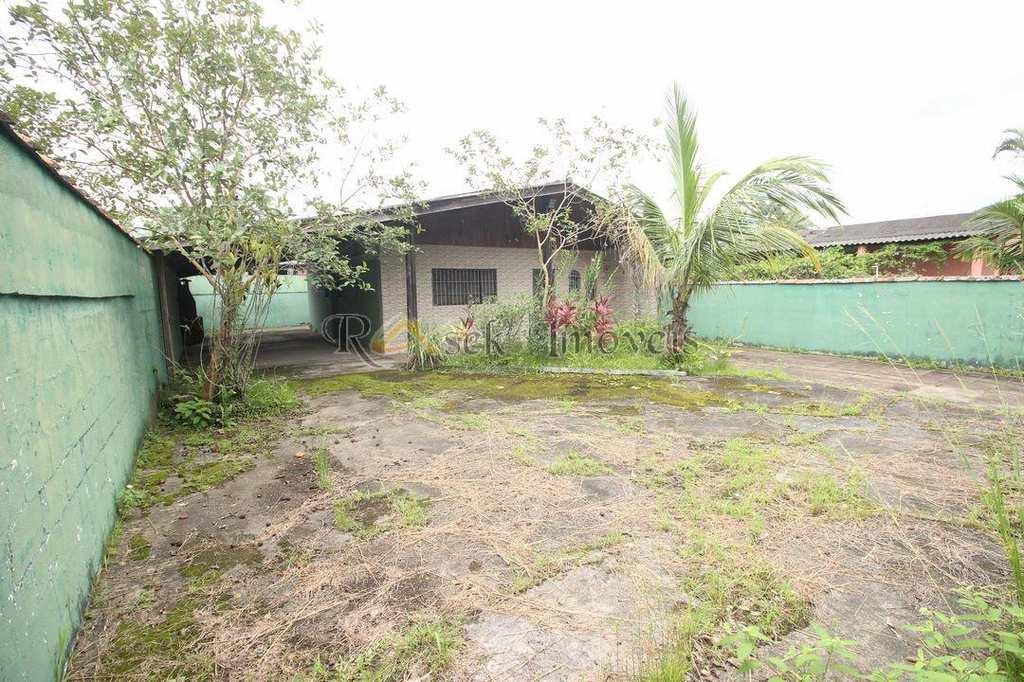 Casa em Itanhaém, no bairro Jardim Jequitibá