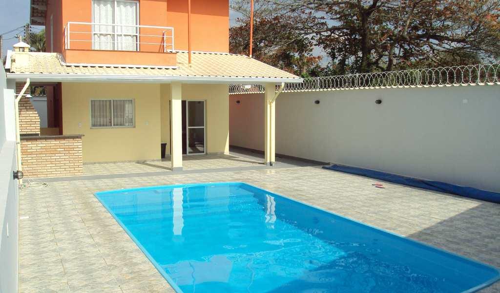 Casa em Itanhaém, bairro Campos Elíseos