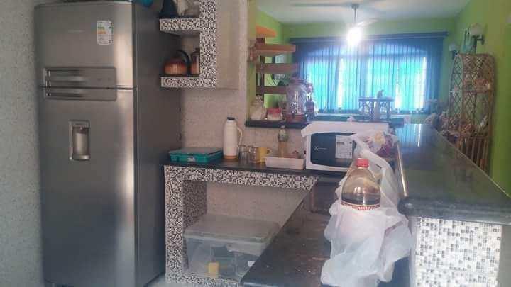 Casa em Itanhaém, no bairro Loty