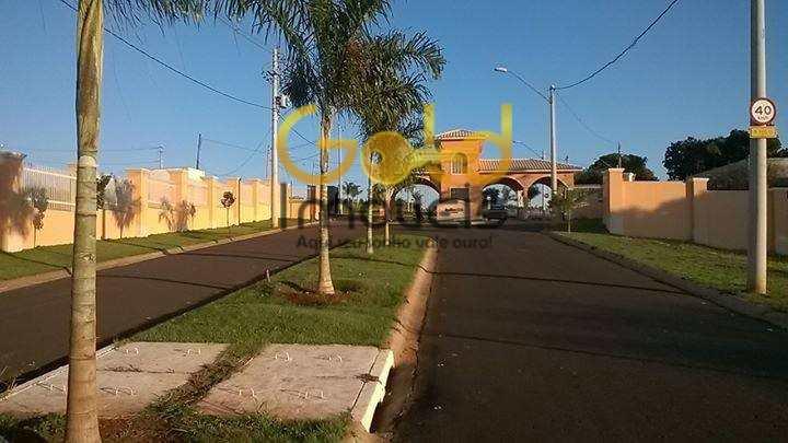 Terreno em Araraquara, no bairro Campos Ville