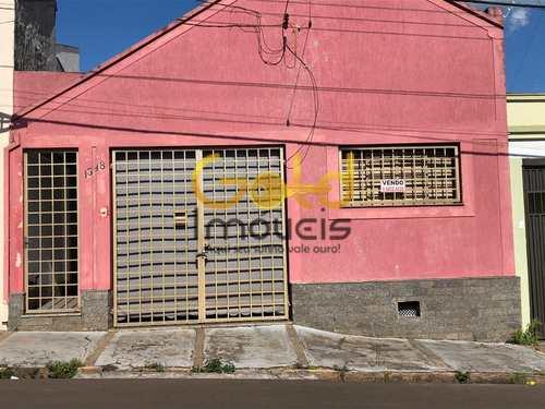 Casa, código 401 em São Carlos, bairro Centro
