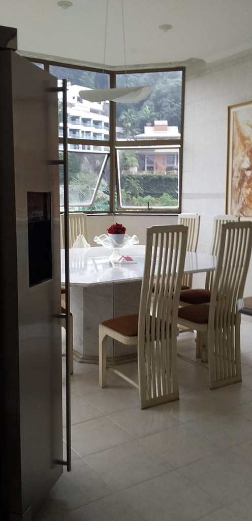 Casa de Condomínio em Santos, no bairro Marapé