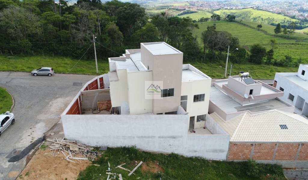 Casa em Conselheiro Lafaiete, bairro Novo Horizonte