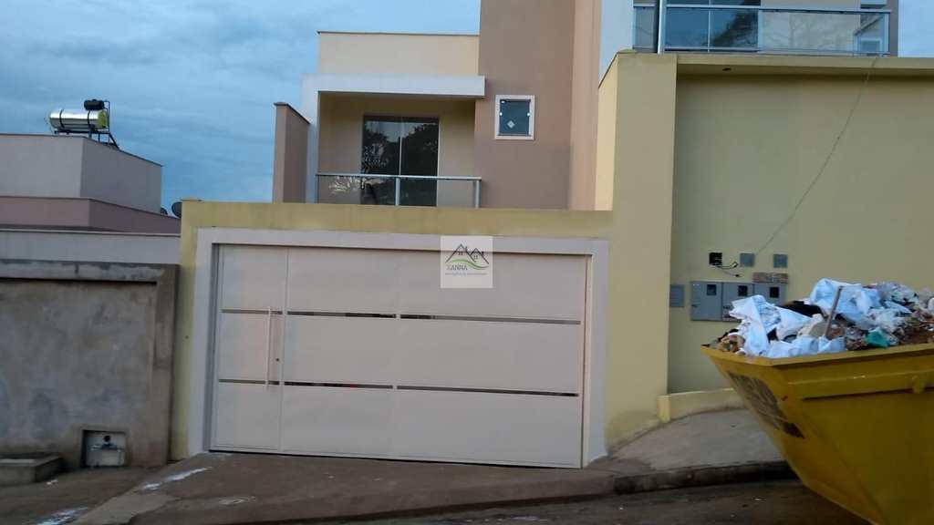Casa em Conselheiro Lafaiete, no bairro Novo Horizonte