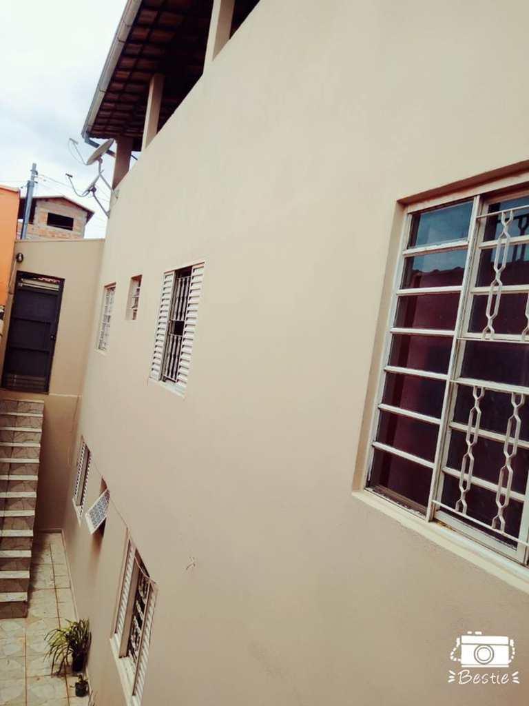 Casa em Pouso Alegre, no bairro Jatobá