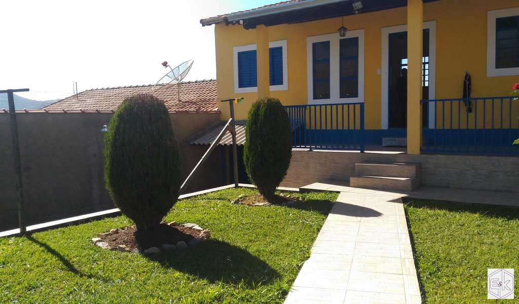Casa em Santa Rita do Sapucaí, bairro Sao Benedito