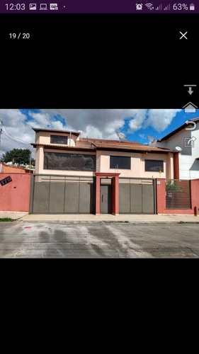 Casa, código 272 em Pouso Alegre, bairro Altaville
