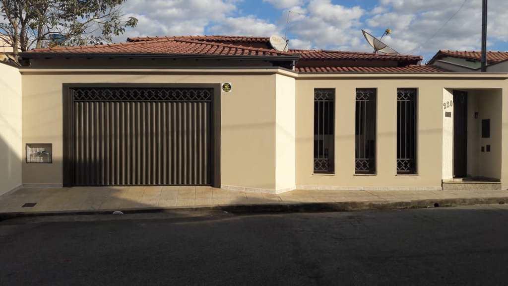 Casa em Pouso Alegre, no bairro Cruzeiro Sul