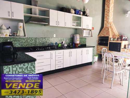 Casa, código 266 em Santa Rita do Sapucaí, bairro Fernandes