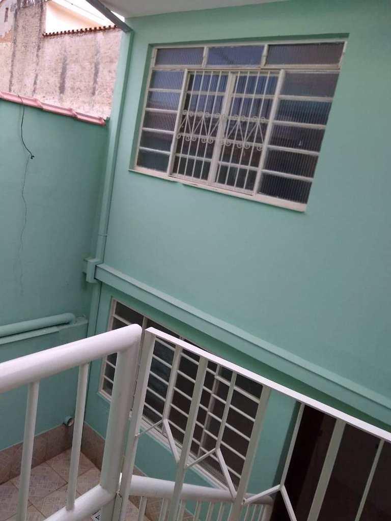 Sobrado em Pouso Alegre, no bairro Santa Luzia