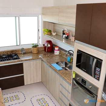 Apartamento em Santa Bárbara D'oeste, bairro Centro